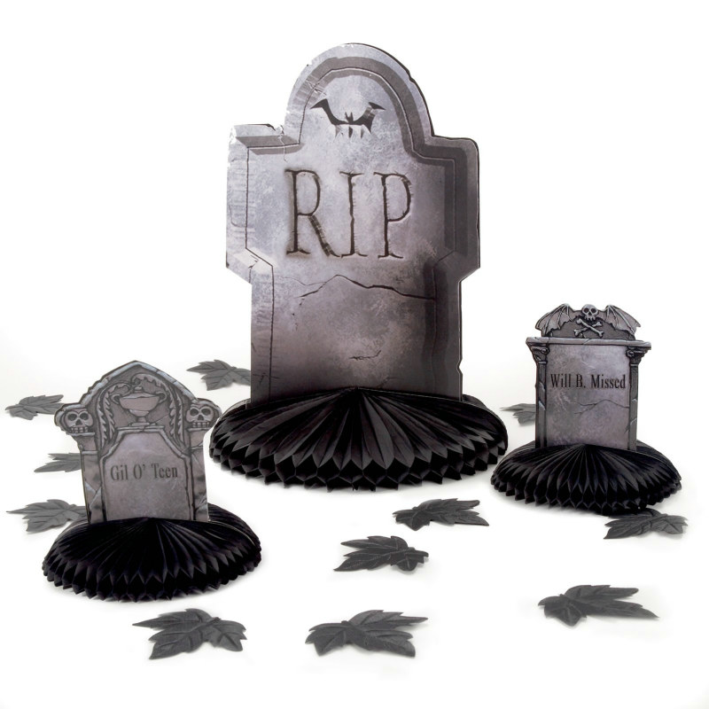 Cemetery Terror Table Decorating Set